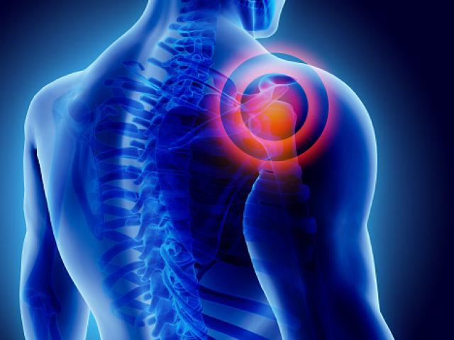 Soulagement d'une douleur d'épaule grâce à l'ostéopathie à Levallois-Perret